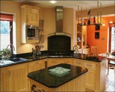 100 Küchen Designs – Möbel, Arbeitsplatten und zahlreiche Einrichtungslösungen - küchen einrichtung desgin holz oberflächen schwarz platte