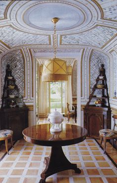 La Vagnola, Giancarlo Giammetti's villa in Tuscany. Interiors by Renzo Mongiardino. Photo by Oberto Gili.