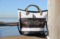 Borsa in vela riciclata con nodo marinaro - dacron e ecopelle marrone    #handmade #bag #borsa #sailbag #borsavela #unique #artigianale #madeinitaly #bolina #sail #vela #lignano #savoia #nodosavoia #knot #marineknot