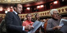 De passage à l'Opéra de Strasbourg, Macron plaide pour la culture et chante
