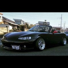 "topmiata: ""From Japan... Via @hahajoey   #TopMiata #mazda #miata #mx5 #eunos #roadster #JDM #japan"""