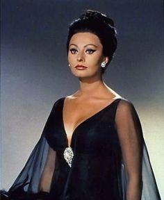 Vintage 60s Film Style: Arabesque with Sophia Loren (1966)   Penny Dreadful Vintage