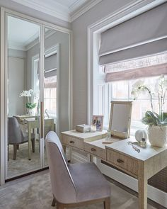 47 Ideas bedroom window dressing table for 2019 Dressing Table Under Window, Bedroom Window Dressing, Dressing Table Design, Dressing Table Vanity, Bedroom Dressing Tables, Dressing Rooms, Wardrobe Interior Design, Green Apartment, Condo