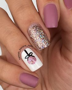 Designs for christmas ideas about Christmas manicure, pretty nails and Holiday nail art. As if ombre nails are not cool enough, this holiday nail design uses a glitter ombre with painted Christmas ornaments on each nail. The look is intricate and fun . Christmas Nail Art Designs, Holiday Nail Art, Winter Nail Designs, Holiday Nails 2018, Xmas Nail Art, Diy Xmas Nails, Holiday Nail Colors, Seasonal Nails, Cute Christmas Nails