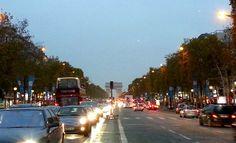 Av Champs Élysées - Paris  http://www.maladerodinhaenecessaire.com/de-trem-pela-europa-foto-resumo/