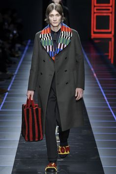 See the complete Fendi Fall 2017 Menswear collection.