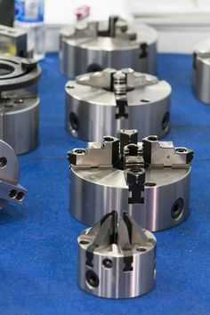 Three jaws or four jaws? Centers or arbors? Here's everything you need to know about the most important workholding devices in turning operations. Diy Lathe, Lathe Tools, Welding Tools, Woodworking Tools, Turret Lathe, Walther P22, Lathe Parts, Lathe Chuck, Machinist Tools