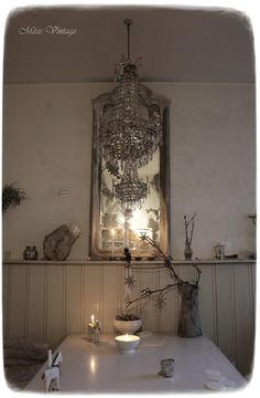 MEAS Vintage Meas Vintage, Vintage Stil, White Homes, Shabby Chic, Old Mirrors, Antique Interior, Grey Skies, Colour Pallete, Spanish Colonial