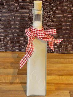 Zutaten 400 g Marzipanrohmasse, fein gewürfelt 600 ml Milch 250 ml Amaretto 75 ml Likör, (Licor 43)