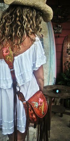 ♥ Ibiza Boho style by www. Hippie Style, Hippie Bohemian, Gypsy Style, Boho Gypsy, Bohemian Style, Hippie Hair, Ibiza Style, Bohemian Fashion, Boho Chic