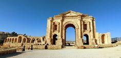 Hadrians Arch - the entrance to Jerash