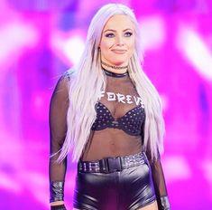 Wwe Girls, Wwe Ladies, Wwe Female Wrestlers, Wrestling Divas, Wwe Womens, Wwe Superstars, Latest Fashion For Women, Sports Women, Clothes For Women