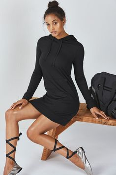 A dress that you can live in? You better believe it! As much as we love to dress up, it& hard to give up comfort. Move and shake in our effortless sweatshirt dress that feels like a dream once you put it on. Comfy Dresses, Nice Dresses, Awesome Dresses, Slim Fit Hoodie, Cute Workout Outfits, Fashion Line, Women's Fashion, Great Women, Sweatshirt Dress