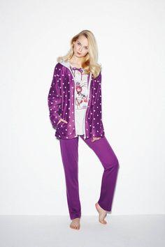 Promise, diseño y calidad Con los conjuntos de pijama y chaqueta de la marca Promise, ya no tienes excusas para estar guapa en casa a la vez que cómoda. www.mimodaintima.es www.pespunttesmodaintima.es www.facebook.com/pespunttesmodaintima