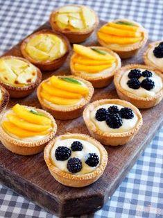 Cute brunch food sweets 37 ideas for 2019 Tart Recipes, Brunch Recipes, Dessert Recipes, Brunch Food, Mini Desserts, Easy Desserts, Mini Pies, Mini Fruit Tarts, Tasty