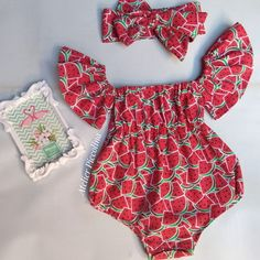 Baby Girl Romper, Cute Baby Girl, Little Girl Dresses, Baby Girl Newborn, Baby Clothes Online, Baby Kids Clothes, Cute Outfits For Kids, Toddler Outfits, Girls Fashion Clothes