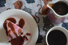 Elämää Koivurannassa: Puolukkajäädyke & kolakastike Pudding, Desserts, Food, Flan, Postres, Puddings, Deserts, Hoods, Meals