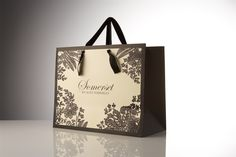 Google Image Result for http://www.wrapology.co.uk/images/products/large/Luxury%2520carrier%2520bags.jpg