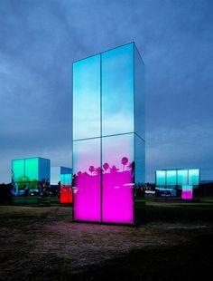 installazioni luminose di phillip K. smith III