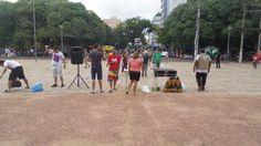 PORTO ALEGRE (RS) -manifestantes seguram faixaemprotesto nas Avenidas, RUAS e PRAÇAS...