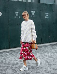 They Are Wearing: New York Fashion Week Spring 2019 Daily Street Style, Street Style 2018, Spring Street Style, Street Chic, Fashion Sale, New York Fashion, Love Fashion, Fashion News, Mens Fashion