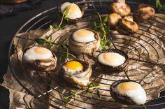 Pieczarki zapiekane z jajkiem przepiórczym. #pieczarki #jajko #jajka #przepiórcze #grill #majówka #przepis #przepisy #tesco #smacznastrona
