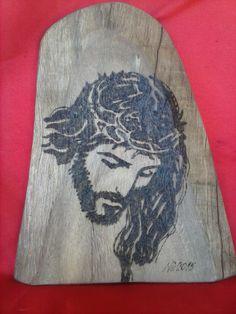 Jesus pirografado em prancha rustica de eucalipto