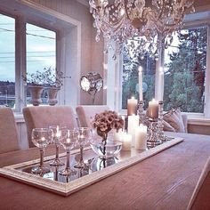 Use a mirror as a center piece good idea