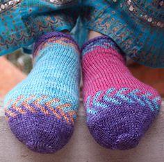 Crystal socklet: Knitty Spring+Summer 2012