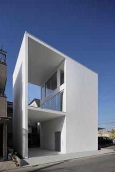 Una pequeña casa con una gran terraza, Tokyo, Japón - Takuro Yamamoto Architects