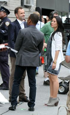 Lucy Liu 'Elementary' films in New York City on August 12, 2013.