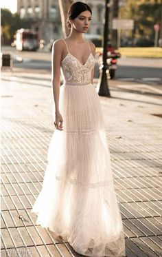 2c7fda6ca43 2018 Wedding Dresses For Bride Beach A-line Wedding Dress Maternity  Pregnant Bridal Gowns Beads Tulle Lace Backless Spagheatti Straps Boho