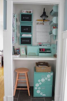 Closet Transformation Command Center Who knew you could transform a small closet into a beautiful command center. This is a perfect idea for anyone who doesn't have much room or would just rather keep their family command center tucked away. Closet Desk, Closet Office, Corner Closet, Corner Desk, Hallway Office, Small Corner, Bathroom Closet, Master Closet, Closet Doors