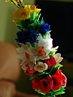 Easter Crafts, Easter Decor, Crepe Paper, Handmade Decorations, Quilling, Paper Flowers, Floral Arrangements, Diy, Pictures