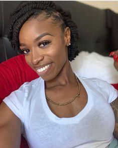 Just to give ya a visual . I'm growing & healing ✨ Dreadlock Hairstyles, Loose Hairstyles, Black Girls Hairstyles, Pretty Hairstyles, Wedding Hairstyles, Natural Hair Accessories, Natural Hair Styles, Love Hair, My Hair