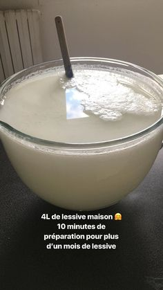 Faire sa lessive maison, un geste économico-écolo - Les Idées Claire Safe Cleaning Products, Cleaning Hacks, Home Decor Kitchen, Kitchen Hacks, Kitchen Storage, Kitchen Organization, Life Hacks Diy, Diy Hacks, Homemade Cosmetics
