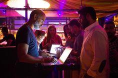 @internationsorg ta en #çalışkan #host umuz @metinsuerkan  #saycheesetoolga #istanbul #istanbulphotography #istanbulphotos #photo #fotoğrafçılık #istanbulexpats #parti #partiçekim #eventphotography