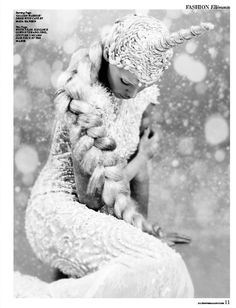 Elléments Magazine 'Winter Tale' - ZHANG JINGJING 2014 S/S Garden Sculpture, Lion Sculpture, Winter's Tale, Best Ads, Pretty Pictures, Pretty Pics, Snow Queen, Print Magazine, Black N White