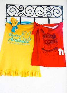 10 FREE Apron Patterns - including these SUPER cute t-shirt aprons