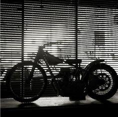 Shoot your bike - Part2 - Pipeburn - Purveyors of Classic Motorcycles, Cafe Racers & Custom motorbikes