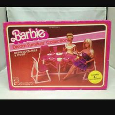 Dream Furniture, Barbie Furniture, Home Furniture, Barbie Playsets, Barbie Toys, Dining Room Table Chairs, Dining Rooms, Barbie Vintage, Barbie Kitchen