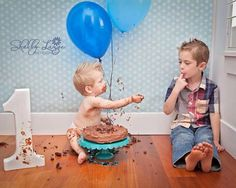 First birthday cake smash with older brother. Shelly Lange Photography #shellylangephotography