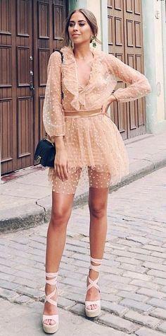 gorgeous outfit idea : bag platform sandals nude dress