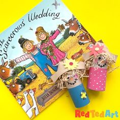 Red Ted Art's The Scarecrows' Wedding - book & craft! How cute are these TP Roll Scarecrows? The perfect Scarecrow craft to go with this gorgeous Julia Donaldson Craft! Easy Crafts For Kids, Diy And Crafts, The Scarecrows Wedding, Paper Spinners, Diy Paper, Paper Crafts, Valentines Day Gifts For Him Husband, Scarecrow Crafts, Paper Puppets