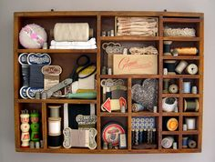 looks like an old printer's tray or shadow box. Great way to display my vintage sewing odds & ends that are just sitting in a box on a shelf now. Vintage Sewing Notions, Vintage Sewing Machines, Vintage Sewing Patterns, My Sewing Room, Sewing Rooms, Sewing Box, Sewing Spaces, Rose Shabby Chic, Sewing Crafts