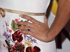 Fabulous Ruby and Diamond Ring worn by Eva Longoria at the Golden Globes 2017