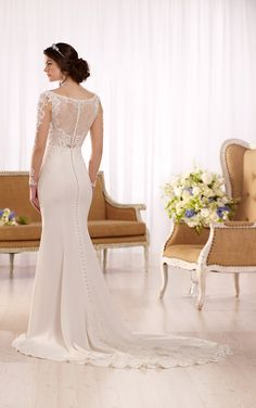 Everything about this dress is perfect! Hollywood wedding dress with lace train - Essense of Australia