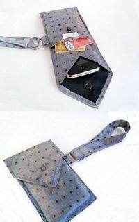 Funda para el iphone realizada con una corbata