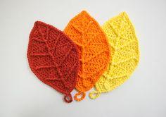 How pretty! >>> How to Crochet: Happy #Autumn Leaves ~ #Crochet