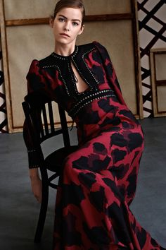 #Gucci #PreFall #2015  Very sophisticated and beautiful; lovely detailling at the bodice.